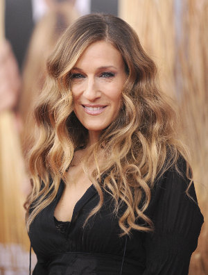 Drew Barrymores hair is a good example of contrast from dark to light, while Sarah Jessica Parker illustrates colour starting at varying heights.